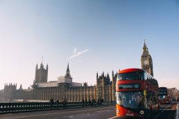 picture on London with English bus